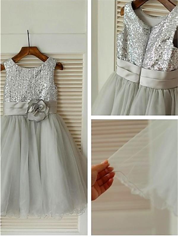 A-Linien-/Princess-Stil U-Ausschnitt Ziermünzen Wadenlang Tüll Blumenmädchenkleid mit Sash