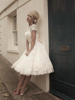A-Linien-/Princess-Stil Stehkragen Kurze Ärmel Spitze Wadenlang Hochzeitskleid mit Schleifen