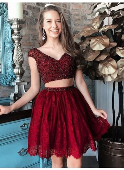 A-Linien-/Princess-Stil V-Ausschnitt Spitze Ärmellos Kurze zweiteilige Kleid mit Perlenstickereien