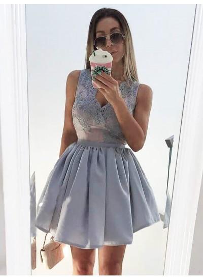 A-Linien-/Princess-Stil V-Ausschnitt Satin Ärmellos Kurze Kleid mit Applikationen