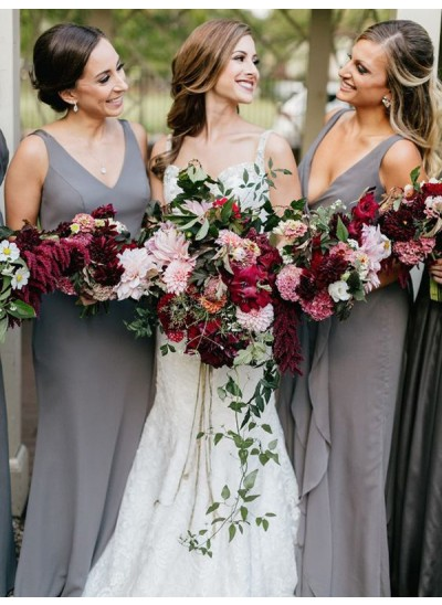 Etui-Linie V-Ausschnitt Chiffon Bodenlang Ärmellos Brautjungfernkleid