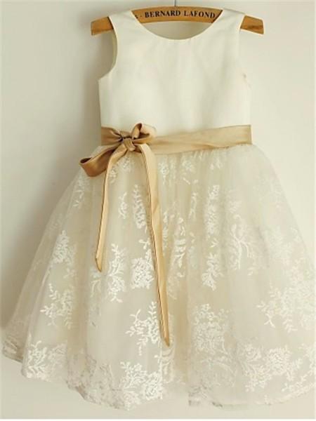 A-Linien-/Princess-Stil U-Ausschnitt Wadenlang Spitze Blumenmädchenkleid mit Perlenstickereien Schleifen